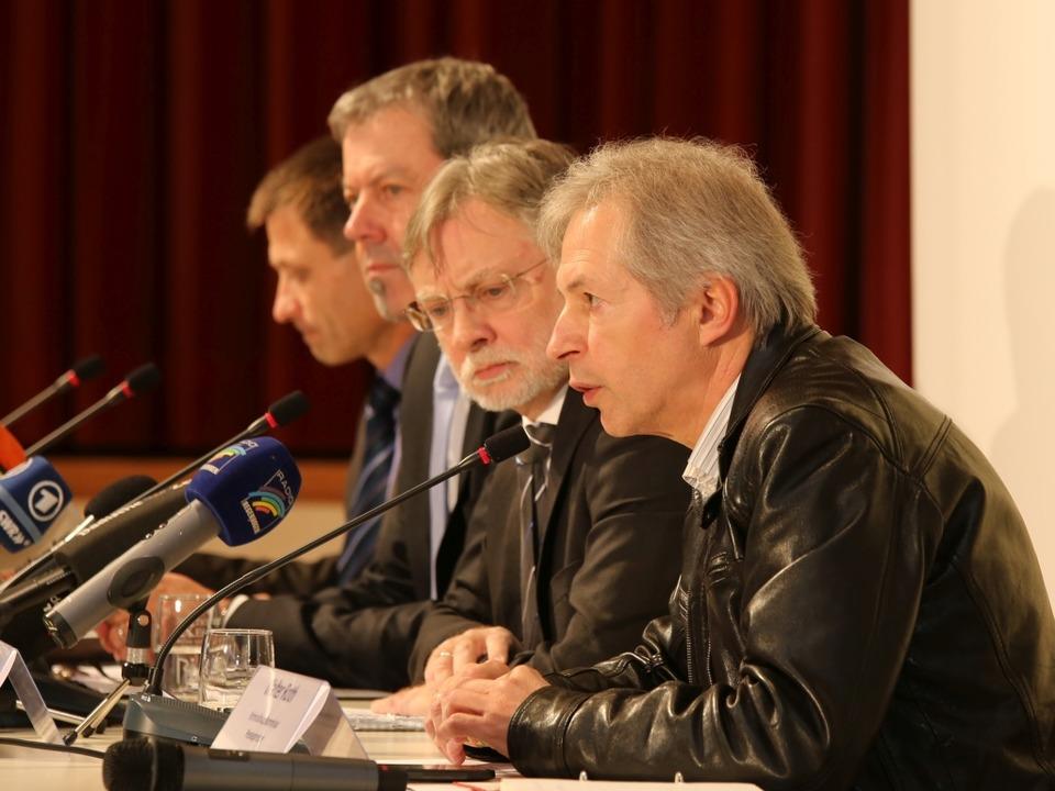 Pressekonferenz der Polizei im Endinger Bürgerhaus  | Foto: Hans-Peter Ziesmer