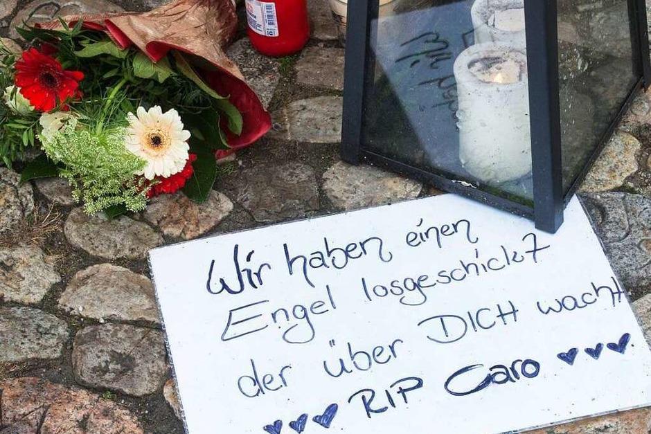 Eine Stadt trauert: Gedenken an die getötete Carolin G. (Foto: dpa)