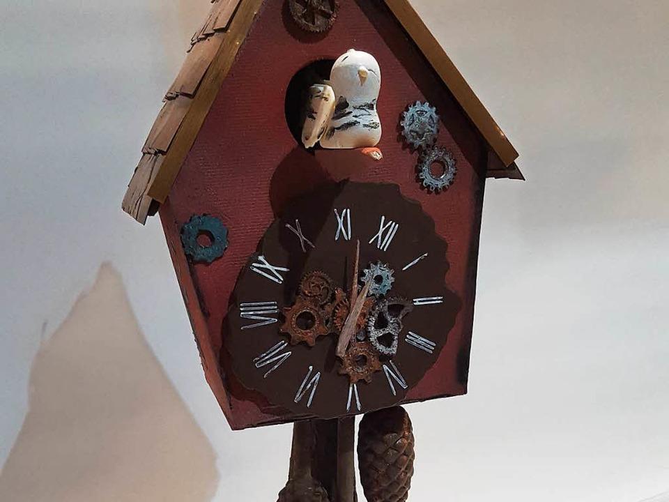 Diese Kuckucksuhr hat der 25-jährige K... Hofer kreiert – aus Schokolade.  | Foto: Felix Lieschke
