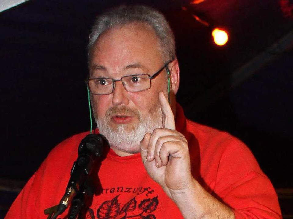 Marcus Britsche verkündet den Prolog.  | Foto: Reinhard Cremer