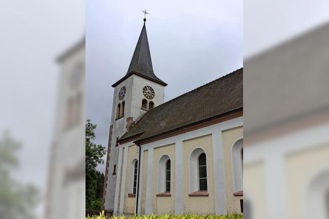 Die Kirche schimmelt und die Türen bleiben zu