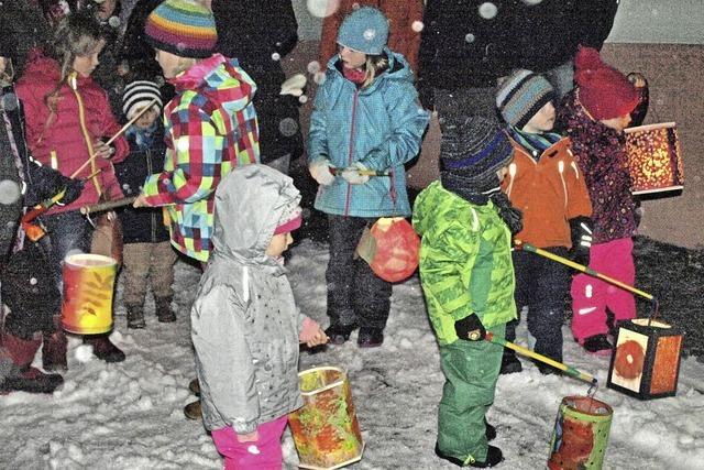 Martinsumzüge im Schneegestöber