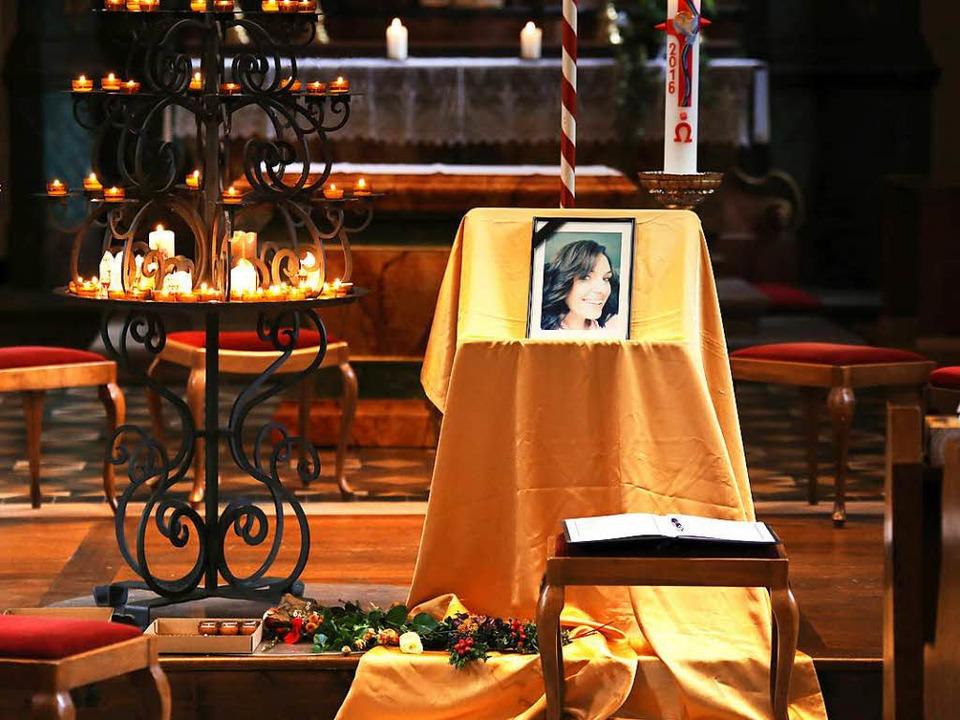 Gedenken im Altarraum der Endinger Wallfahrtskirche  | Foto: Hans-Peter Ziesmer