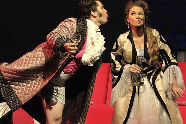 Thalia-Theater Wien spielt Strauß´ Fledermaus im Gloria-Theater in Bad Säckingen