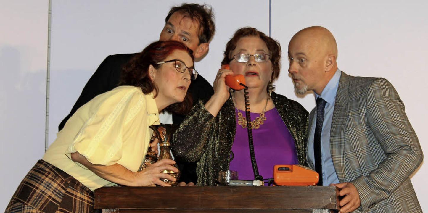 Initiatorin des Auftritts des Moabiter...Gottenheim war Kornelia Ambs (links).   | Foto: Mario Schöneberg