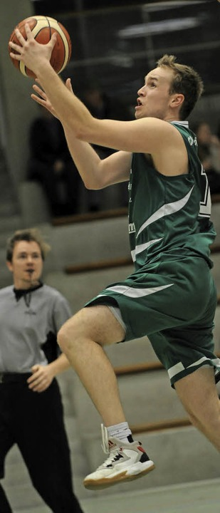 <BZ-FotoAnlauf>Basketball:</BZ-FotoAnl...Lörrach – 19 davon Michael Blum.  | Foto: Schön