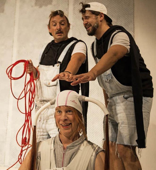 Die Pinguine (Oliver Lange, Bastian Wi...r Staubsauger (Claudia Fröhlich) Bosse  | Foto: promo