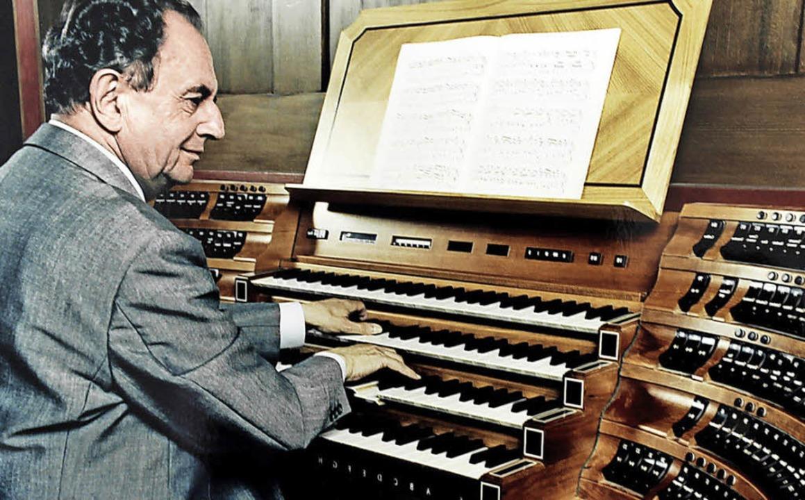 Franz Lehrndorfer an der neuen Jann-Orgel des Münchner Doms  | Foto: Pro