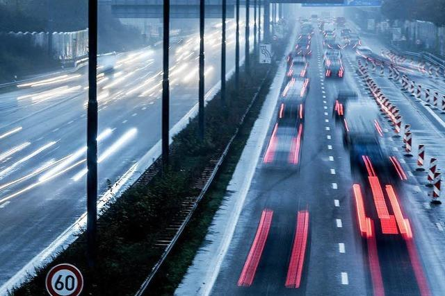 Schäuble will Autobahn-Betrieb teilweise privatisieren
