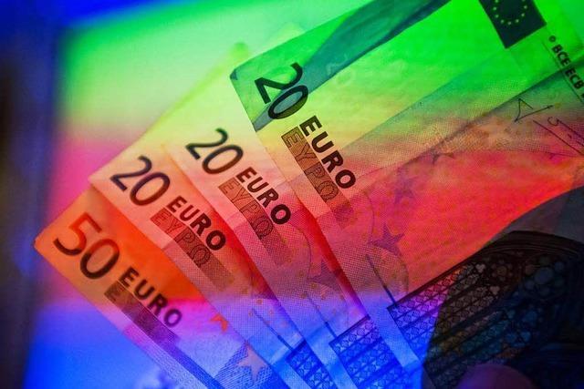 Finder gibt bei Lörracher Polizei Portemonnaie mit knapp 2000 Euro ab