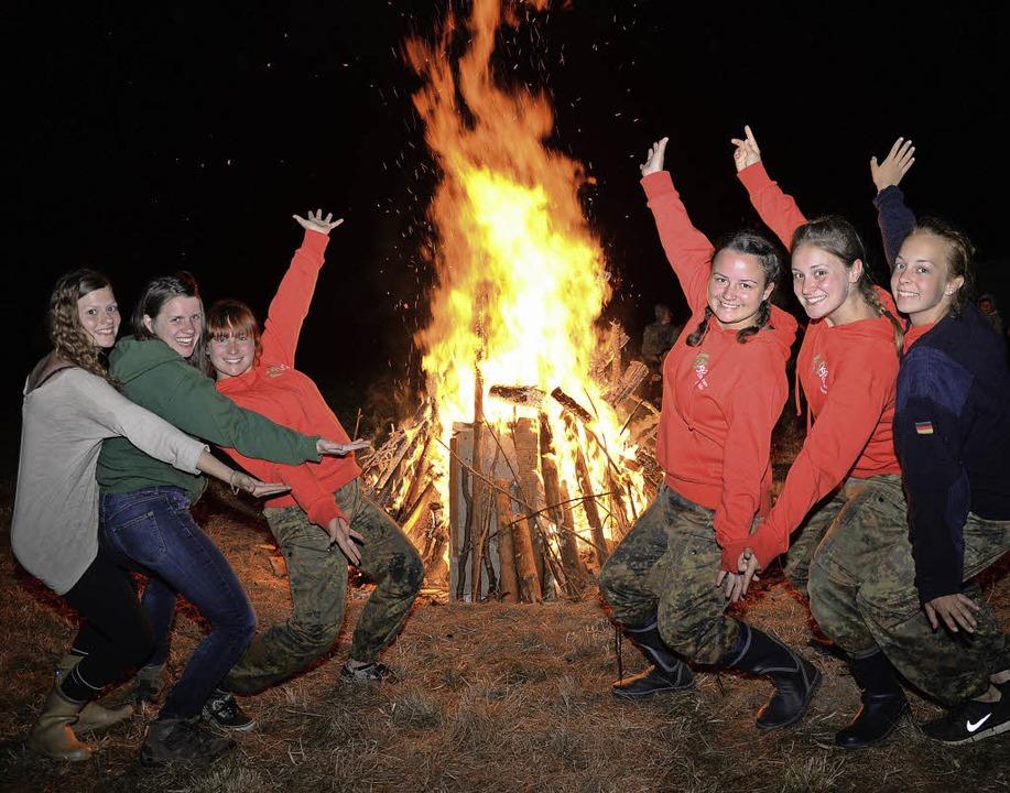 Auch das gehört zur KJG: Lagerfeuerromantik beim Gruppenleitertreffen.  | Foto: Privat