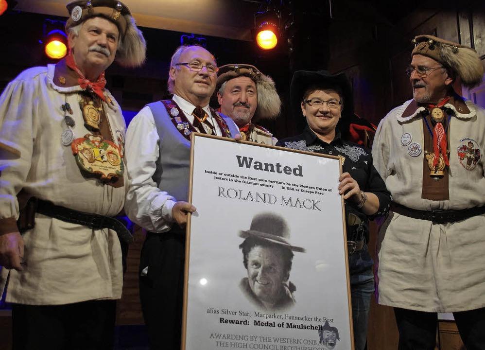 Wanted: Die Quintusbruderschaft des Or...n nach Europa-Park-Chef  Roland Mack.   | Foto: ONB