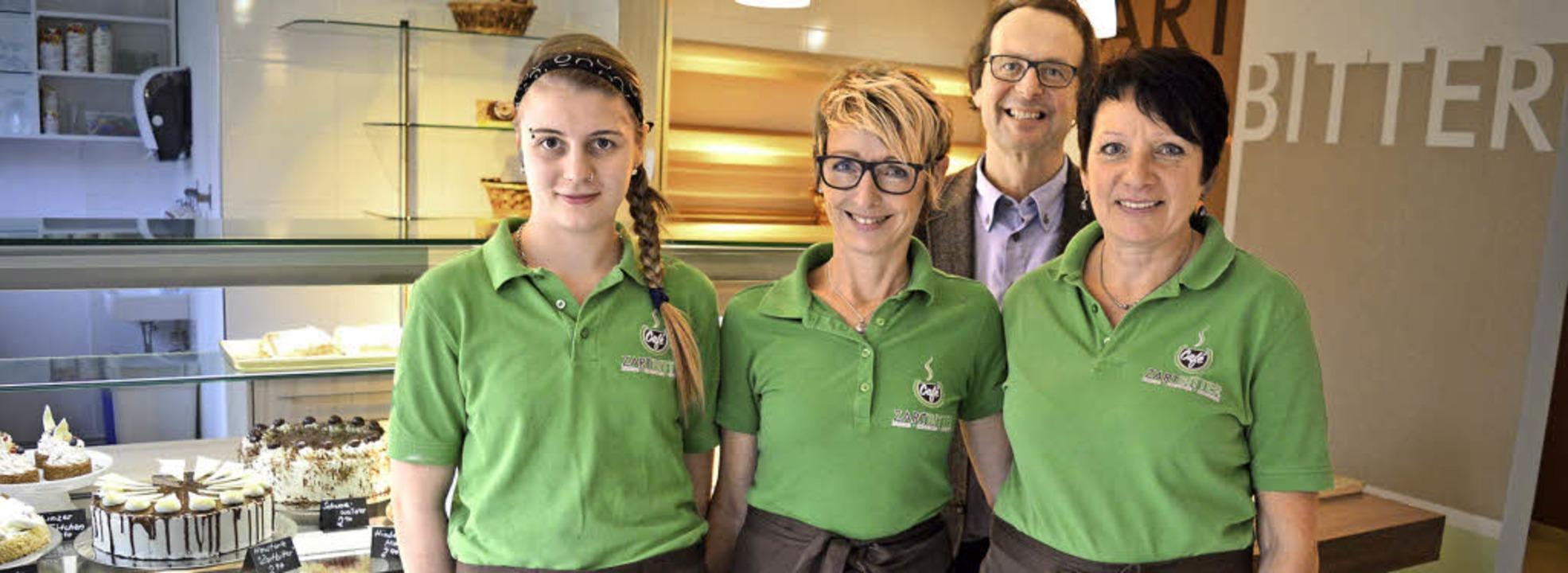 Das Team des Cafés Zartbitter mit Proj...m Caritas-Verband Hochrhein mitteilte.  | Foto: Sandhya Hasswani