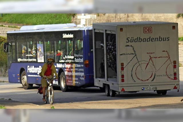 Mit Bus und Fahrrad in die Berge