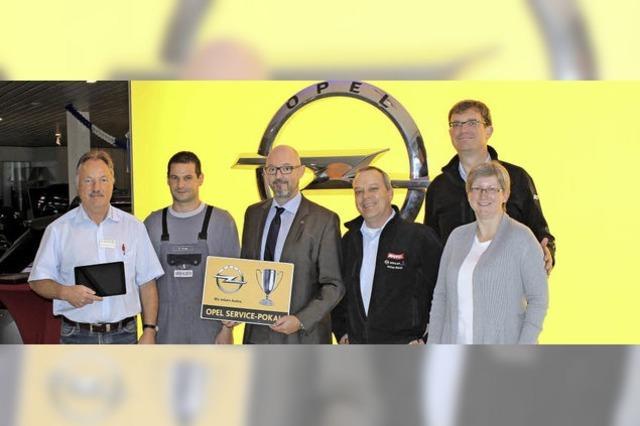 Opel-Pokal für ganz besondere Werkstattleistung