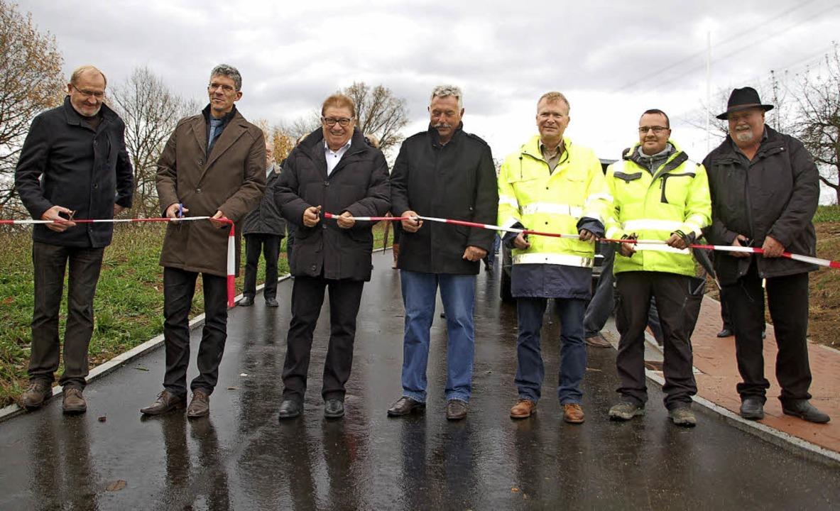 Freigabe des neuen Baugebiets (von lin...r, Harald Schmid und  Arndt Schönauer     Foto: Petra Wunderle