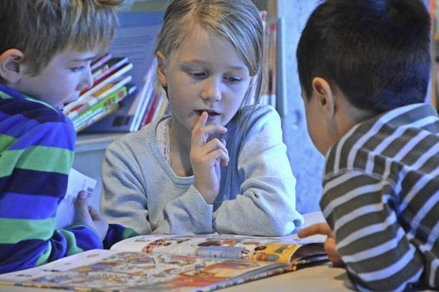 Kinderbuchmesse im Burghof hat zum 25.Mal zum Lesen und Vorlesen verführt