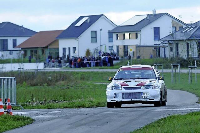 Rallye-Flitzer fegten durch die Feldwege