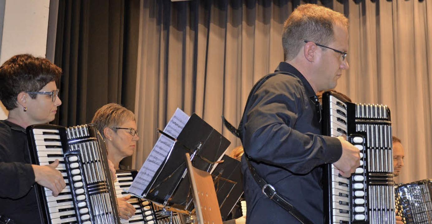 Ein Herbstkonzert der Vielfalt mit dem Akkordeon Orchester Grenzach<ppp></ppp>   | Foto: Martina Weber-Kroker