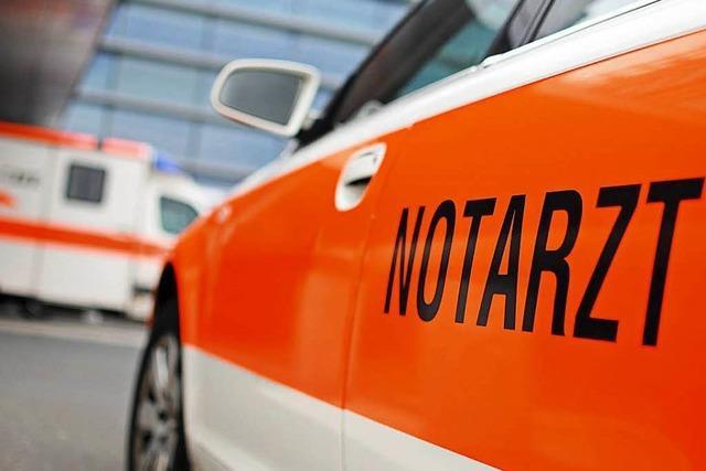 Radfahrer kollidiert in Lörrach mit Pkw und verletzt sich schwer