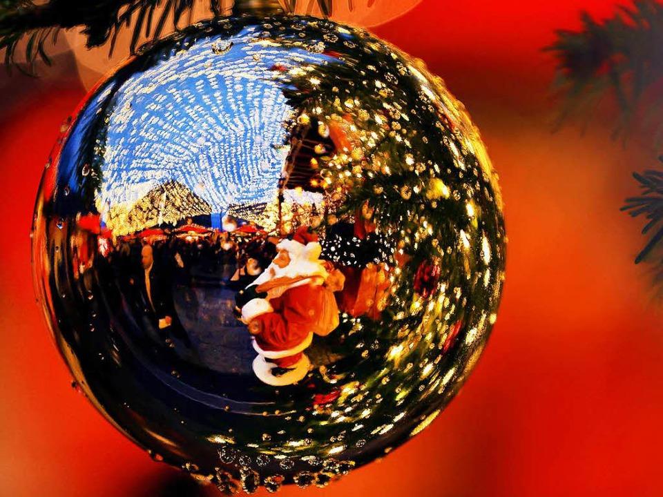 Der Weihnachtsmarkt in Strasbourg beginnt wie geplant am Freitag.  | Foto: dpa