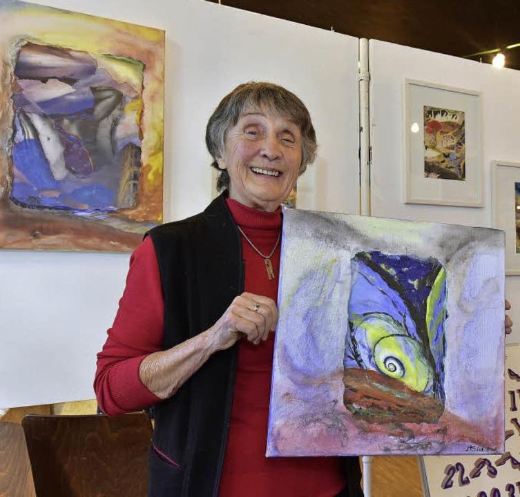 Helga Singewald ist eine der Künstleri...zu dem sie ein Gedicht inspirierte.     | Foto: Thomas Kunz