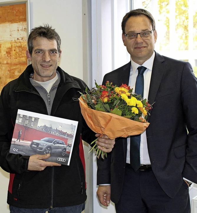Jochen Holz und Jörg Dehler in der Filiale in Ehrenkirchen   | Foto: Privat