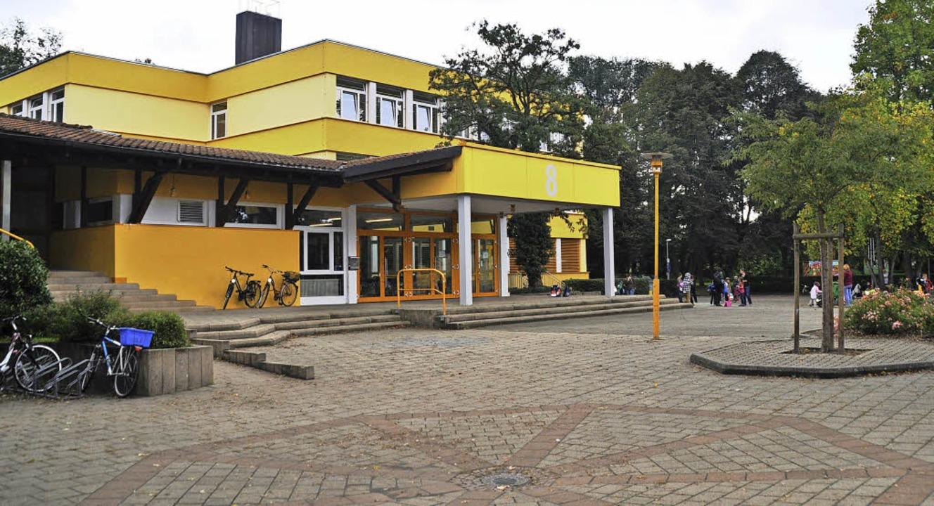 Viel graue Fläche: Der große Wurf zur ...des Schulhofs bleibt erst einmal aus.   | Foto: Julius Steckmeister