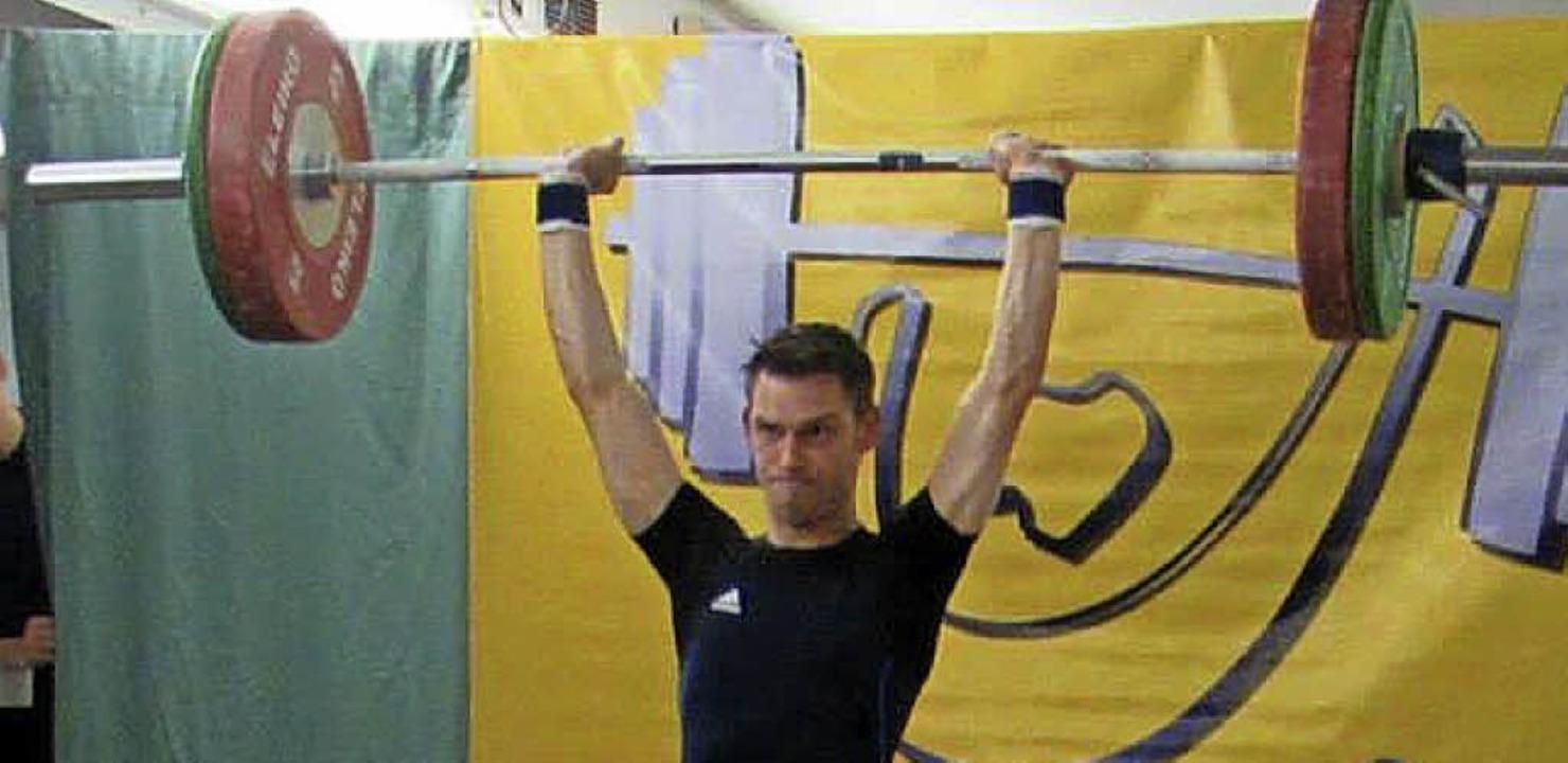 <BZ-FotoAnlauf>Gewichtheben:</BZ-FotoA...08 Laufenburg  die meisten Punkte ein.    Foto: ZVG