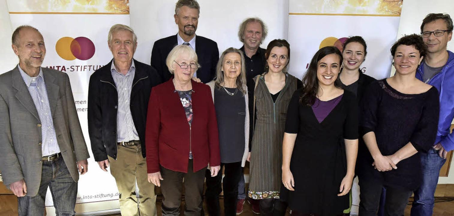 Die Friedenspreisträger und ihre Laudatoren   | Foto: Thomas Kunz