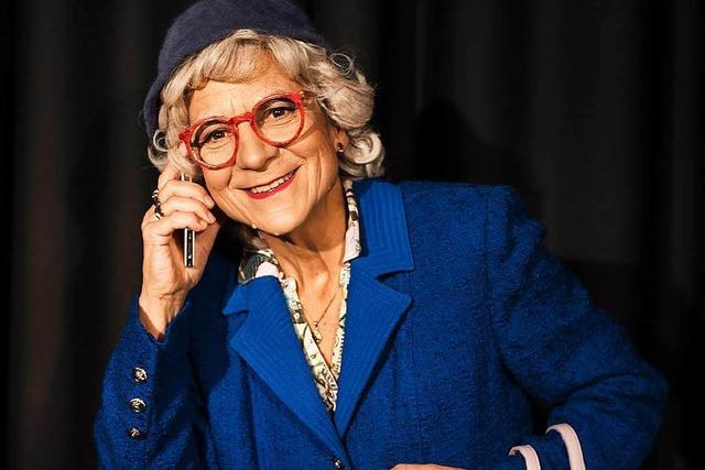 Fiktive Twitter-Oma Renate Bergmann bringt Senioren ins Netz