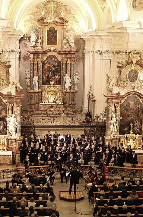 Ein imposantes Ambiente für ein denkwürdiges Konzert vor vollbesetzten Reihen.   | Foto: Erich Krieger