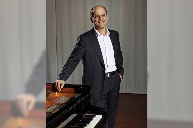 Klavierkonzert mit Werken von Schubert und Beethoven in der Oberrheinhalle