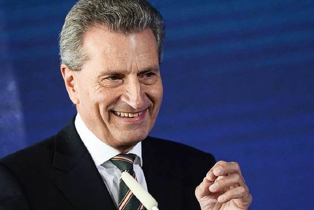 Günther Oettinger kommt nach Hartheim und hält eine Rede