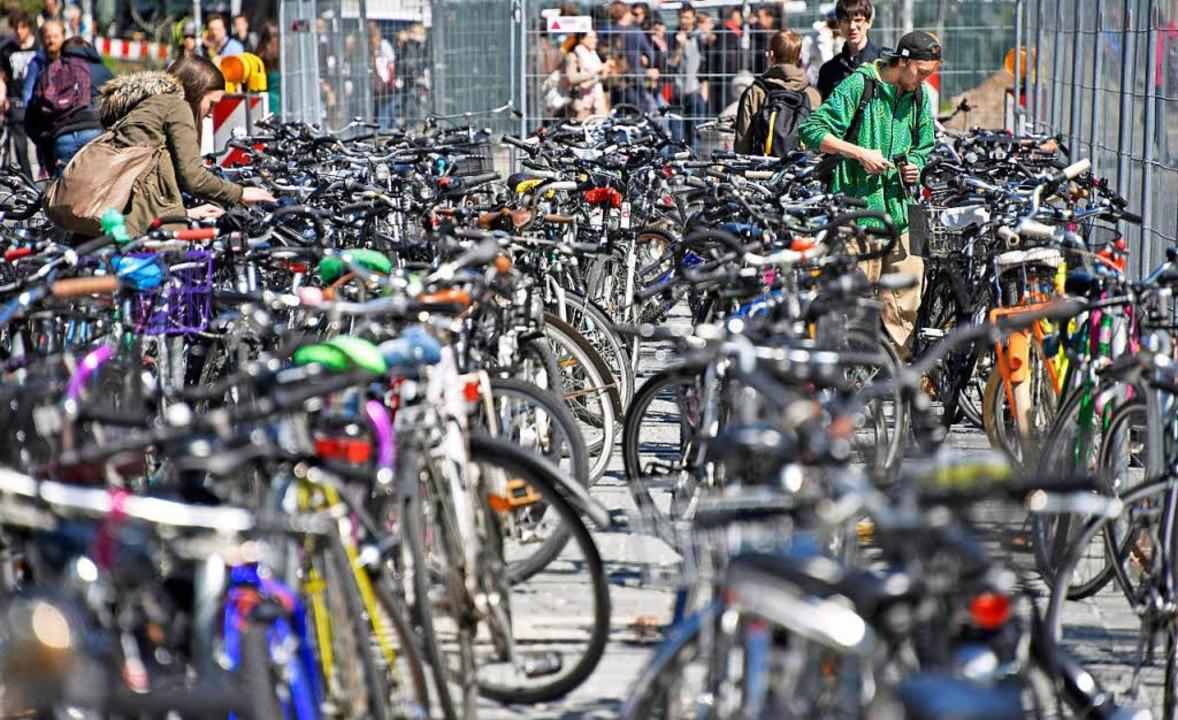 Fahrradfahrer sollten vor dem Losfahre...hrrad in Ordnung ist, rät die Polizei.    Foto: Michael Bamberger