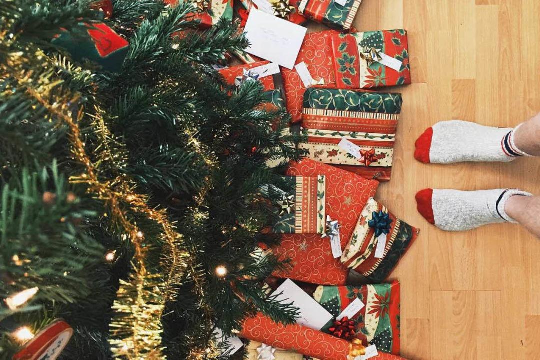 Geschenke sind an Weihnachten nicht al...ch. Aber Auspacken ist trotzdem schön!  | Foto: Andrew Neel (Unsplash.com)