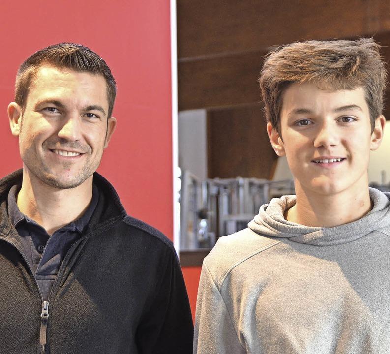 Sebastian Brucker (links) führte Marco... des Sport- und Fitnesskaufmanns ein.   | Foto: Lars Wehrle