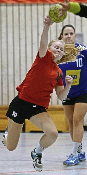 Die  17-jährige  Hannah Person spielt ...Freiburg ihre erste Drittliga-Saison.     Foto: Seeger