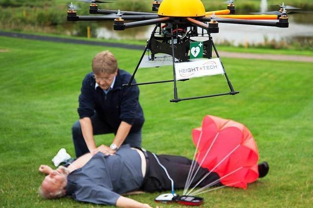 Der Defibrillator soll mit der Drohne kommen