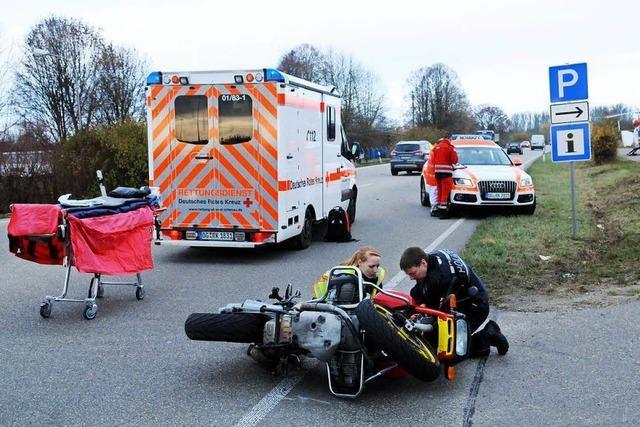 Motorradfahrer stürzt bei Kippenheim beim Überholen