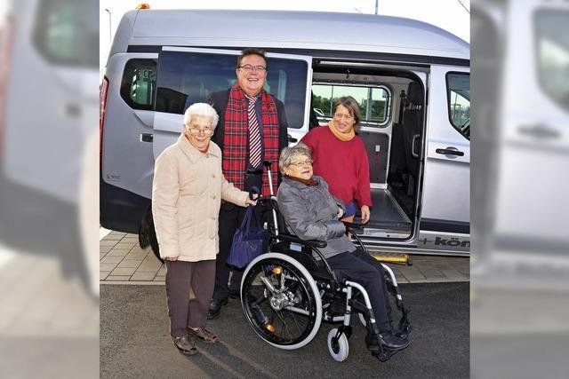 Der Bürgerbus fährt nun auch Senioren