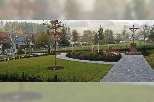 Erweiterter Friedhof ist parkähnlich gestaltet