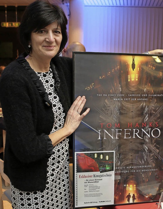Einen ganzen Kinosaal hat Susanne Link bei der Tombola gewonnen.  | Foto: Christoph Breithaupt