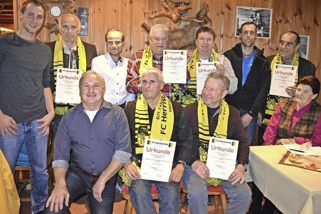 Vereinsgründer nach 60 Jahren geehrt
