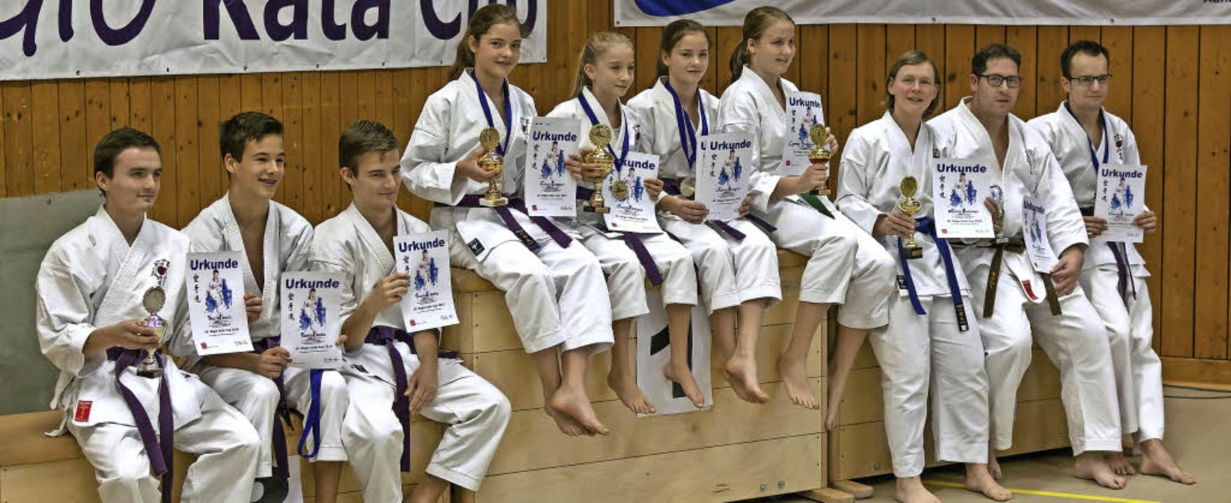 Die erfolgreichen Karatekämpfer des HakuRyuKan Kappel     Foto: UMS