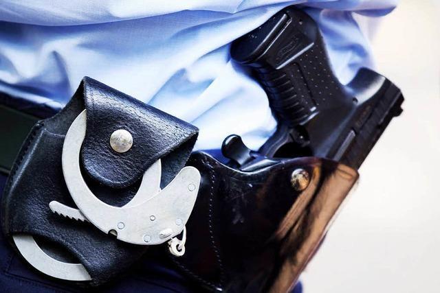 Fünf Polizisten verletzt: Prozess um Randalierer in Unterhose