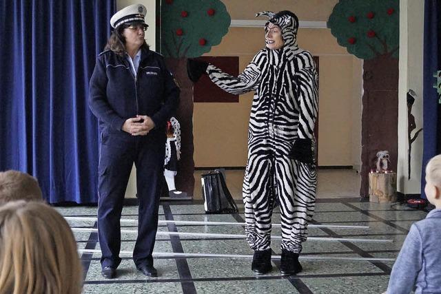 Verkehrserziehung mit Zebrastreifen