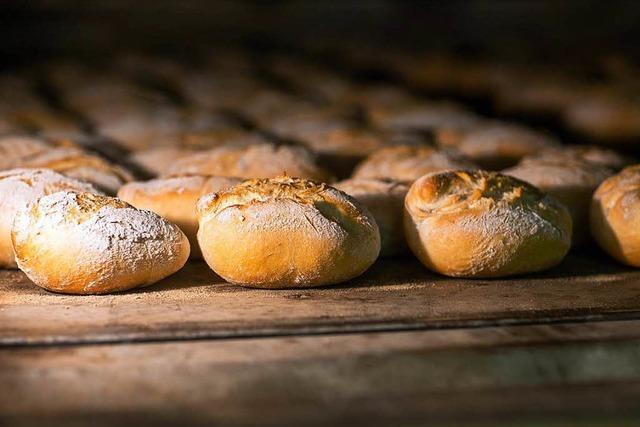 Wandtresor herausgerissen: Unbekannte brechen in Lörrach in Bäckerei ein