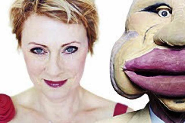 Die Kabarettistin, Sängerin und Puppenspielerin im Stiftsschaffneikeller