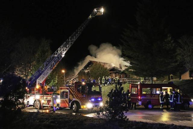 Lokal brennt völlig nieder